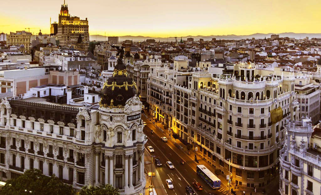 Living in Spain under the Golden Visa: pros and cons